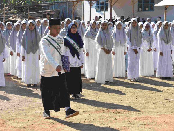 kegiatan upacara hasan (hari santri) ma nasruddin